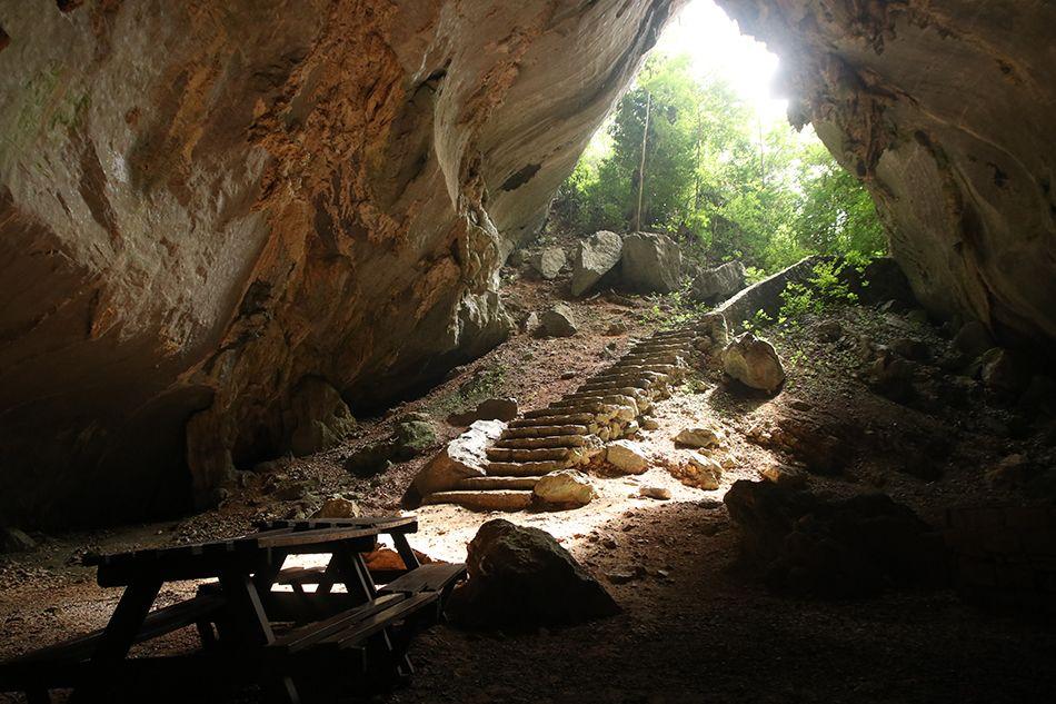 Cueva de los Portales